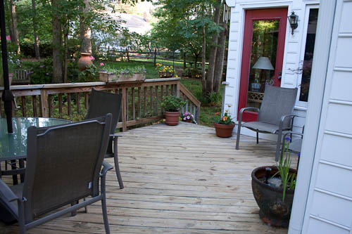 beautiful deck, all decorated